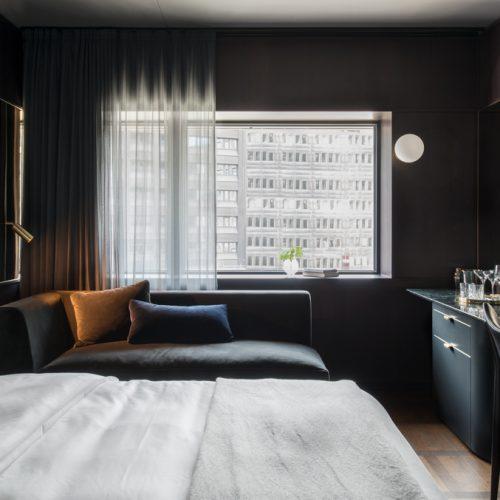 Hotel At Six